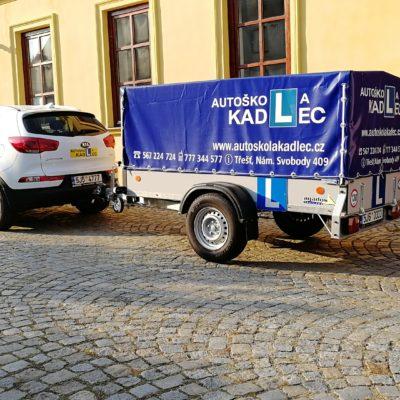 Kia Sportage 4x4, přívěs Agados